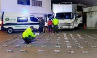 Un total de 130 kilos de cocaína que se movilizaban en un camión fueron incautadas por la Policía Nacional.