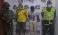 A los capturados en flagrancia se les encontraron las cinco reses robadas.