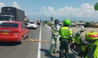 Intervención de las autoridades en los retenes ilegales de Tasajera.
