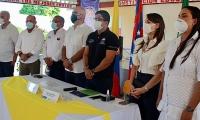 Al evento de la entrega de becas asistieron los rectores de las instituciones, el rector de la Unimagdalena, alcalde y comunidad retenera.