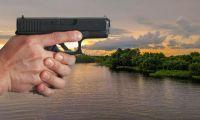 Hombres a bordo de una moto le dispararon al prestamista en tres ocasiones.