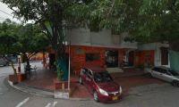 Los comensales fueron atracados cuando estaban en la parte externa del restaurante.