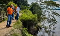 La socavación del río amenaza en El Banco.