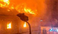 Momentos en que se prendía en fuego el Palacio de Justicia de Tuluá.