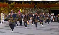Delegación colombiana desfilando en Tokio.