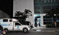 La víctima se debate entre la vida y la muerte, en la clínica Los Nogales.