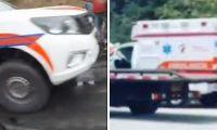 Ya previamente otra ambulancia tuvo que ser socorrida por una grúa.