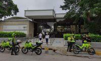 La Policía hizo presencia en el lugar del atraco.