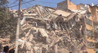 Daños en un edificio de la Ciudad de México