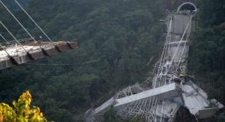 Puente Chirajara después de la caída de una de sus torres.
