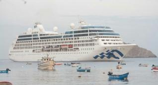 Santa Marta activa de nuevo el arribo de este tipo de embarcaciones turísticas, que traen un considerable número de  turistas al puerto local.