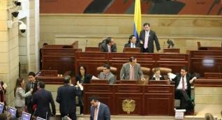 l reajuste salarial pasó a la firma del Presidente Juan Manuel Santos.