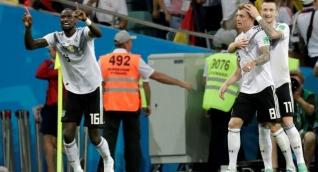 Toni Kroos celebra el tanto del triunfo alemán.