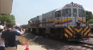 El tren a su salida del municipio de Ciénaga.