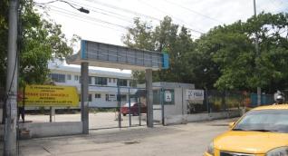 Exteriores del edificio donde funcionaba la clínica Cardiovascular de Santa Marta.