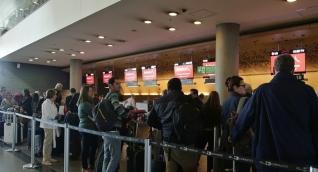 Las versiones de testigos sobre la muerte contrastan con la del concesionario del aeropuerto.