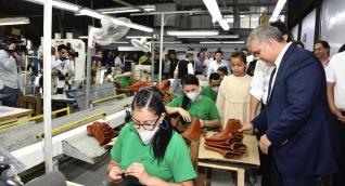 Presidente Iván Duque visitando una empresa generadora de empleos en Cúcuta.