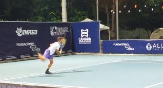 Nicolás Mejía en el complejo de raquetas de Santa Marta