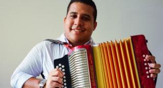 Iván Andrés De Hoyos, músico que denunció ser robado en centro comercial
