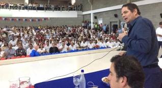 El exvicepresidente de la República, Germán Vargas Lleras, presidiendo el encuentro en Valledupar.