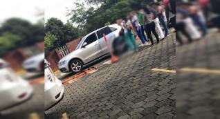 El niño de dos años fue atropellado por el vehículo en el que viajaba.