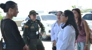 Aneta Ernest, extranjera que permanece en el Aeropuerto Simón Bolívar.