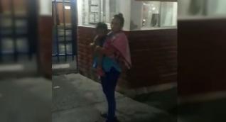 La mamá cargó con su niña por varias clínicas hasta que finalmente la recibió el Julio Méndez Barreneche.