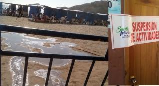 La suspensión de actividades en la batería de baños se debió a un vertimientos de aguas en la playa.