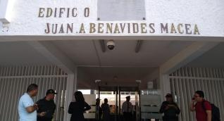 La audiencia se lleva a cabo en el edificio Benavides Macea.
