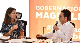 Ángela María Orozco, ministra de Transporte y Carlos Caicedo, gobernador del Magdalena.