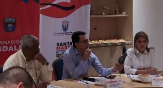 Reunión de Carlos Caicedo y Virna Johnson con el embajador de Cuba en Colombia.
