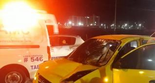 Taxi que arrolló a peatón.