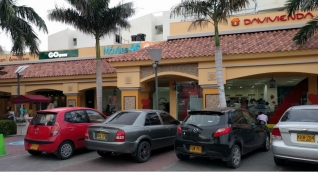 Centro Comercial Las Olas.