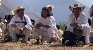 José de los Santos Sauna (medio) es uno de los indígenas de la Sierra Nevada que han fallecido.