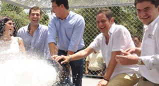 Carlos Caicedo durante una de las inauguraciones de los pozos de agua.