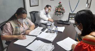 Al menos 3 contratistas de Salud Distrital están dedicados a hacer las revisiones.