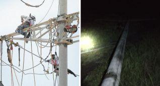 El vendaval tiró varios postes de energía.