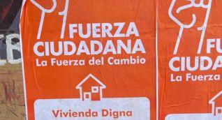 Según el concejal la capital del país está llena de estos carteles.