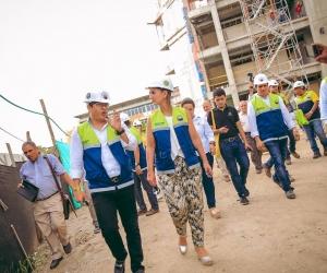 El rector de la Universidad de Magdalena, Pablo Vera Salazar y la ministra de Educación Nacional, Yaneth Giha Tovar recorrieron las obras que se adelantan en la Institución.