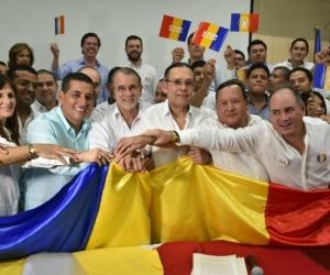 Los gobernadores tomando la bandera Caribe.