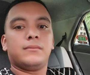 Taxista asesinado, identificado como José Luis Sepúlveda Carrillo, de 25 años.