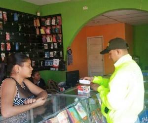 Policía realiza campaña de prevención contra el hurto de celulares