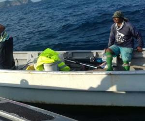 Tres pescadores artesanales del corregimiento de Taganga quedaron a la deriva por fallas en el motor de la motonave.