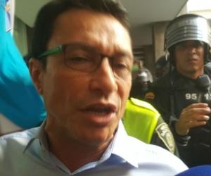 Carlos Caicedo a su llegada a los Juzgados del Edificio Galaxia.