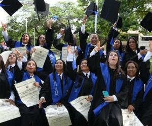 Recibieron títulos como Técnicos profesionales, Tecnólogos y Licenciados.