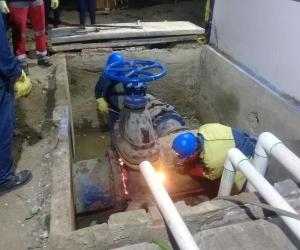 Trabajos de mantenimiento de Veolia para evitar los rebosamientos.