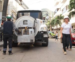 Con este el camión succión  presión realizarán los trabajos.