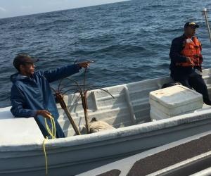 Los pescadores fueron trasladados a la playa de Bello Horizonte.