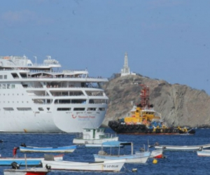Crucero arribando a Santa Marta.