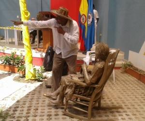 """Puesta en escena el Sketch teatral macondiano del grupo """"La Nana"""" del municipio de Fundación."""